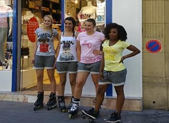 Hôtesses roller street marketing - Street Diffusion